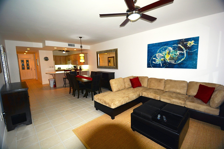 #522 Living and Dining Area