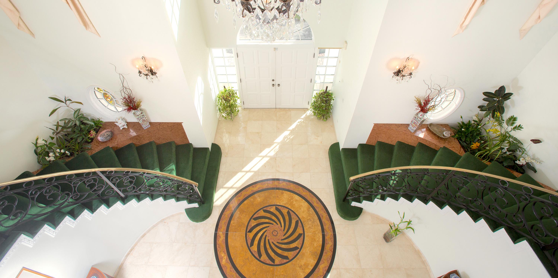 Grand Foyer Zara : Br villa zara grand cayman villas