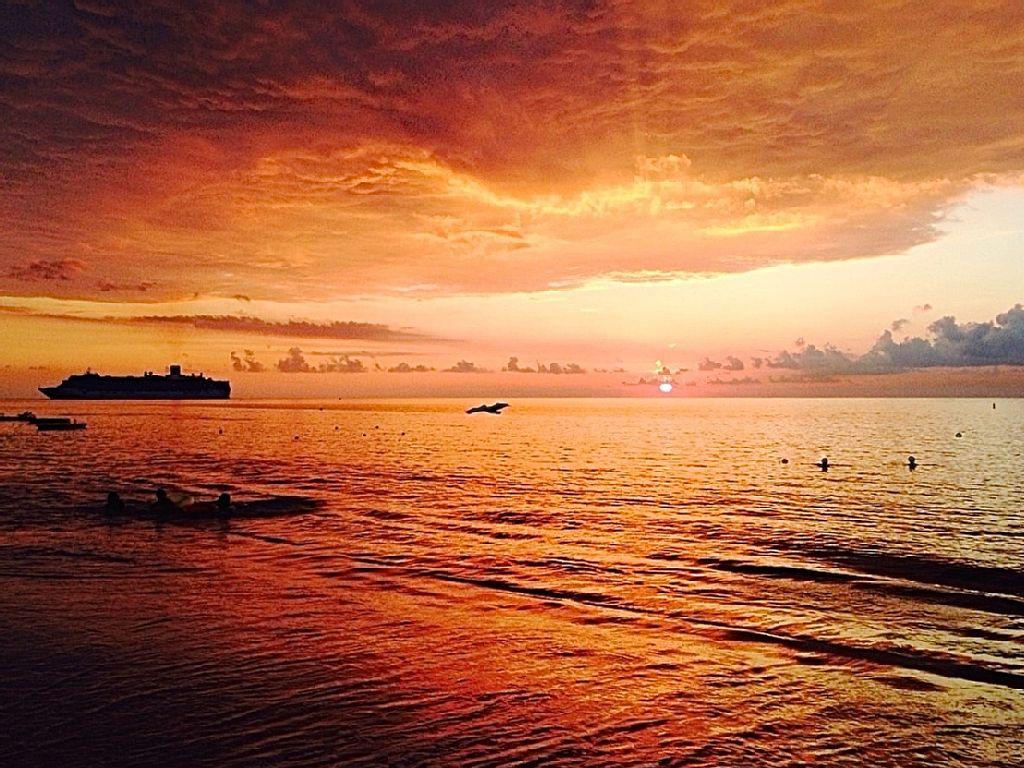 Golden Sunset along 7 Mile Beach.
