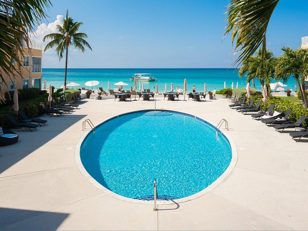 Large Ocean Front Pool.