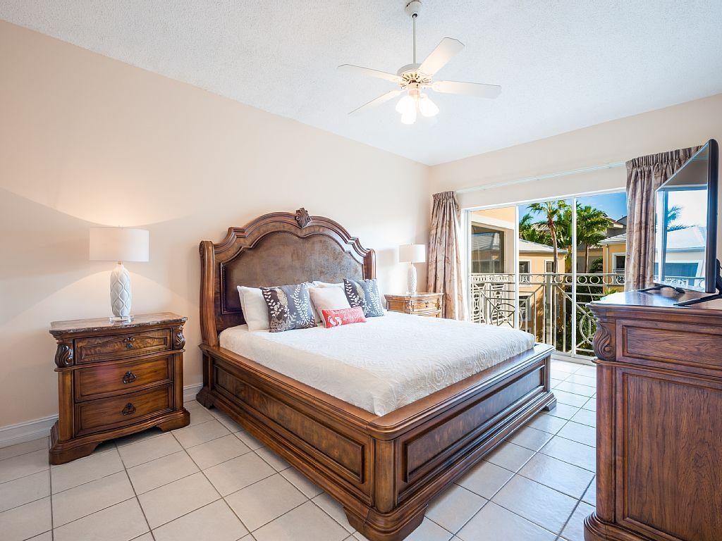 King Master Bedroom.