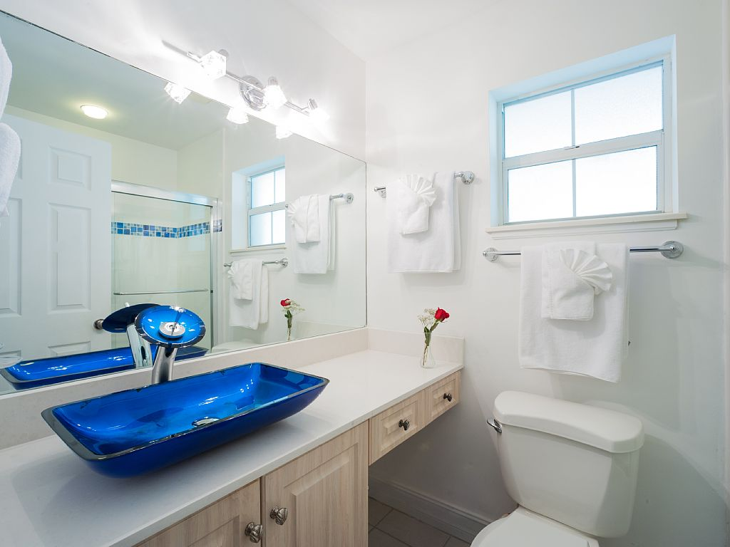 Modern Ensuite Bathroom.