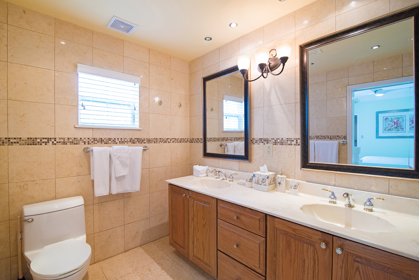 Regal Beach 614 Guest Bath