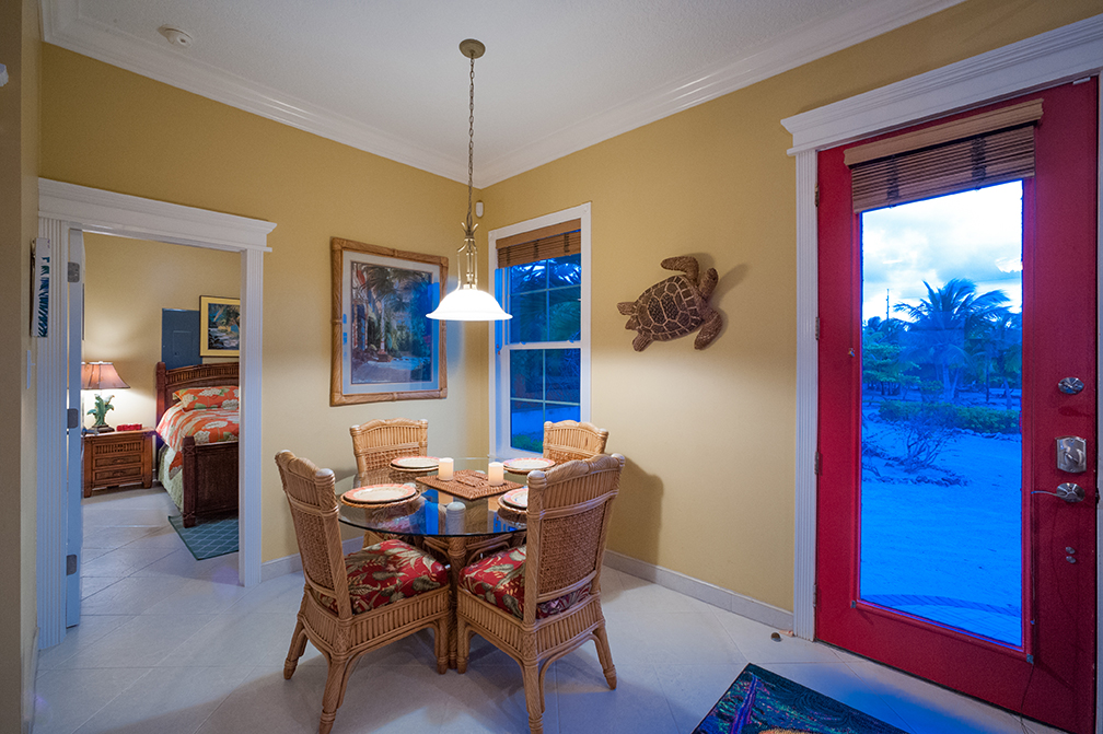 Parrot-ise Dining Area
