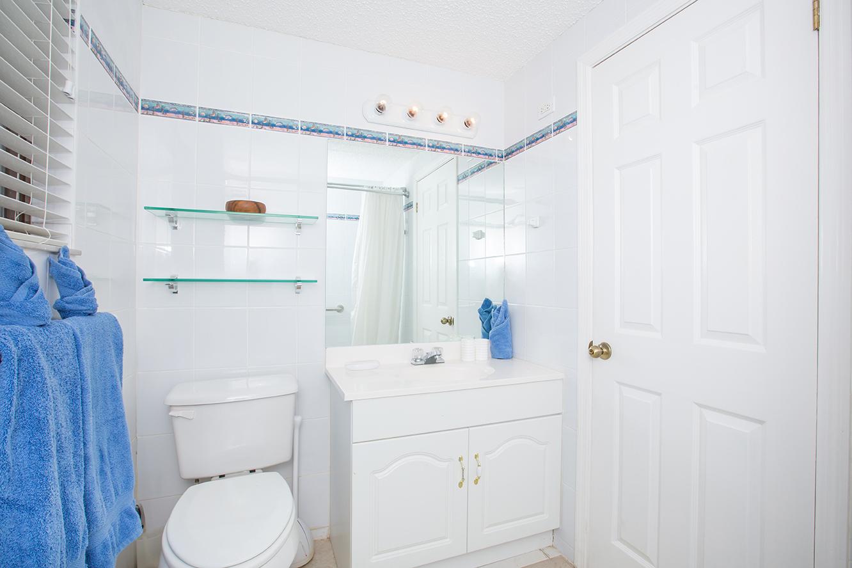 Georgetown Villas #115 Guest Bath