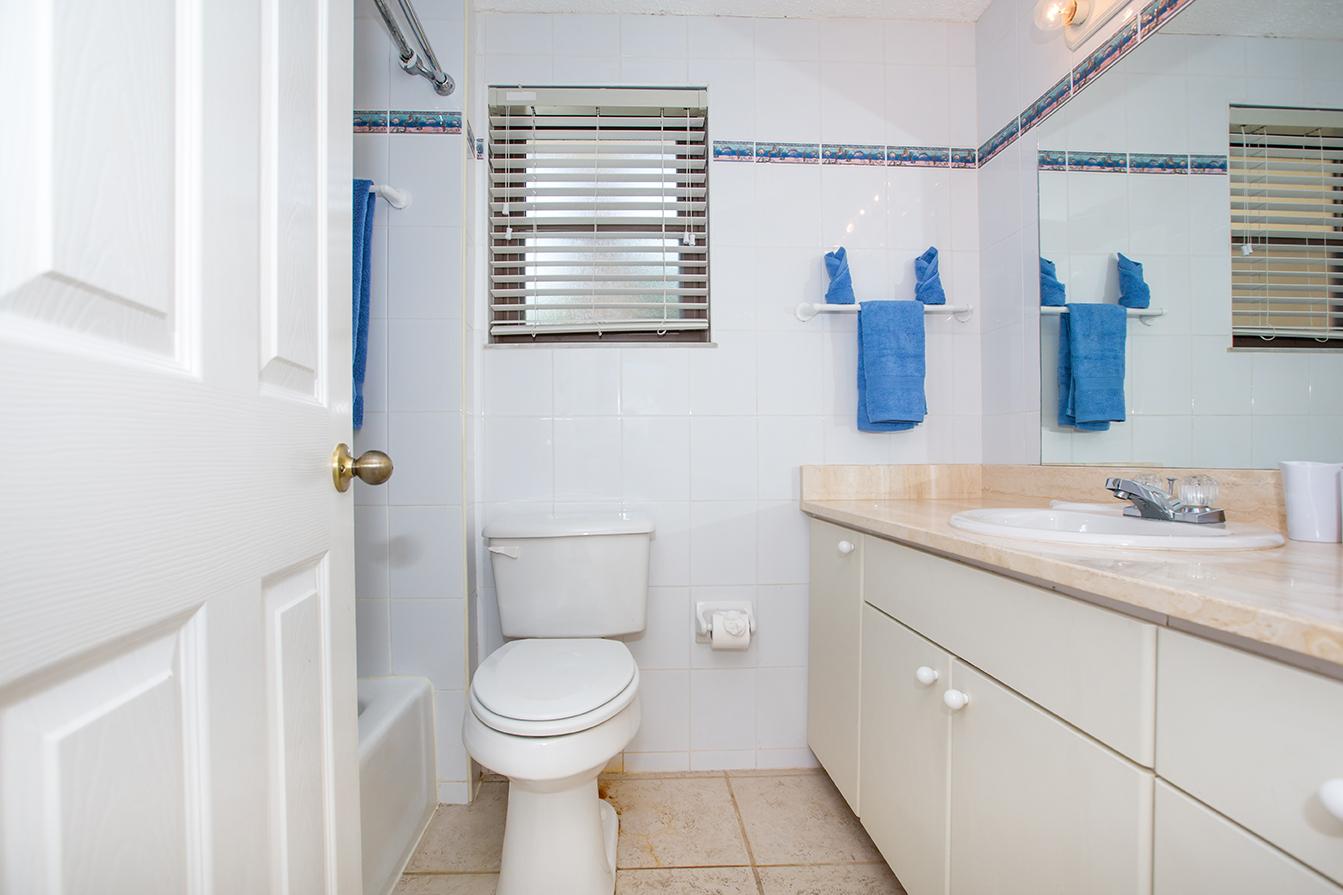 Georgetown Villas #115 Master Bath