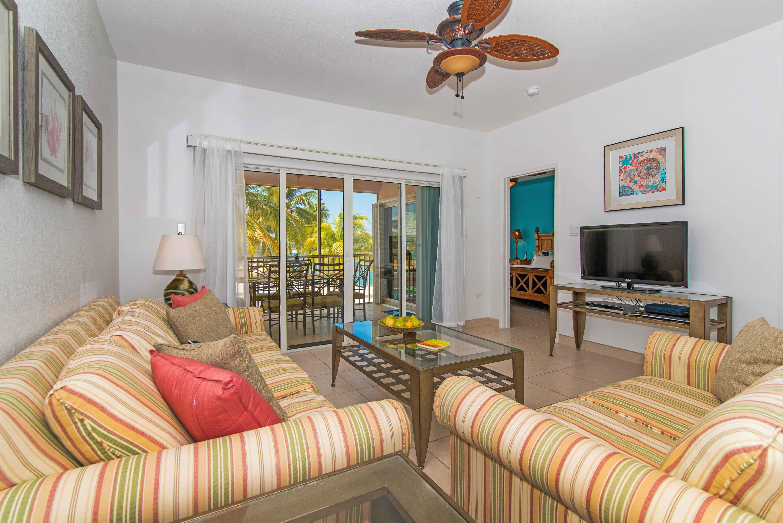 Tropical Kai Living Area