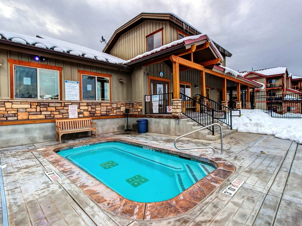 Bear Hollow Village Clubhouse Hot Tub