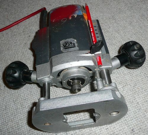 what router is this and can i use it in a table by davemoore rh lumberjocks com
