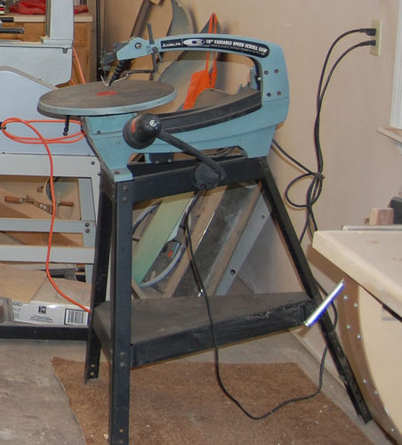 Scroll saw question need advice by gbrown4 lumberjocks i recently acquired two scrolls saws from craigs list the first one was a delta q3 18 vs i got it at a good price and it was in great condition greentooth Choice Image