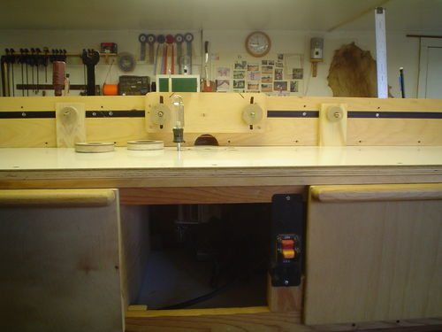 Inexpensive But Very Functional Shop Made Router Table