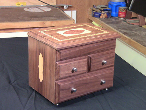Making an inlay jewelry box by WoodJediNTraining LumberJockscom