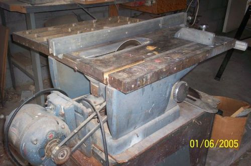 Really old vs less old craftsman 113 model table saws by zor the early model this is the picture from his ad he didnt post a picture of the front of it greentooth Image collections