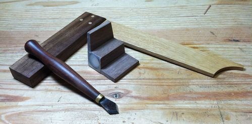 dovetail saw guide. plane blade) and a dovetail saw guide. thanks goes to david barron, i found out about the guide on his you tube channel, be sure check it out. p