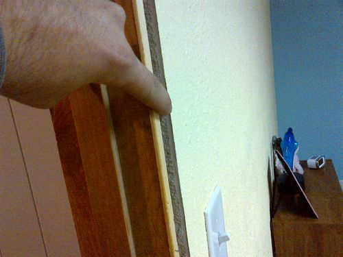 how to drywall around a door frame 2