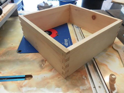 Set up for Porter Cable 4213 template when cutting box joints - by ...