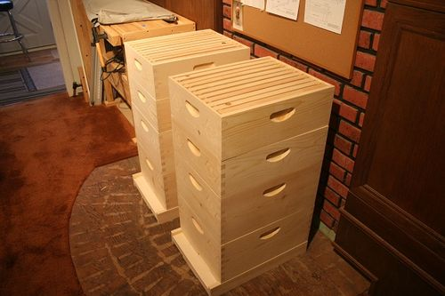 how to build a beehive cover