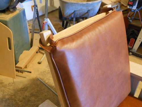 Superbe I Took A Leather Sewing Class To Learn How To Make The Morris Chair Cushions .