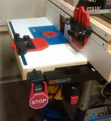 Table saw router extension delta 36 725 by ericlew lumberjocks the safety switch is great having to blindly grope under the table for the power switch on the router is always nerve racking greentooth Image collections