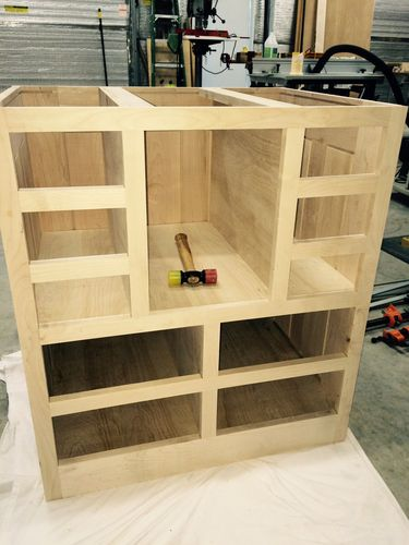 Review sommerfeld router table and fence by akdale lumberjocks my cabinet is coming together nicely will start on the drawers today keyboard keysfo Image collections