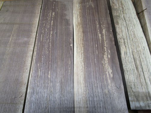 walnut lumber with white blotchy spots why by doubledd