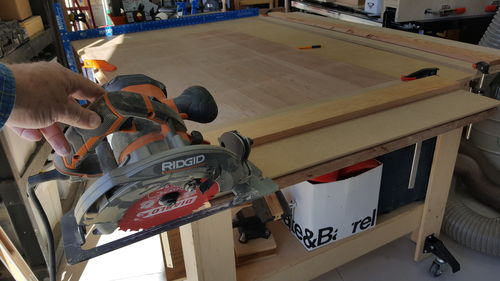 circular saw cutting table. once i had the jig trimmed to saw blade with that angle, was able lay on top side of table and align it just so. circular cutting w