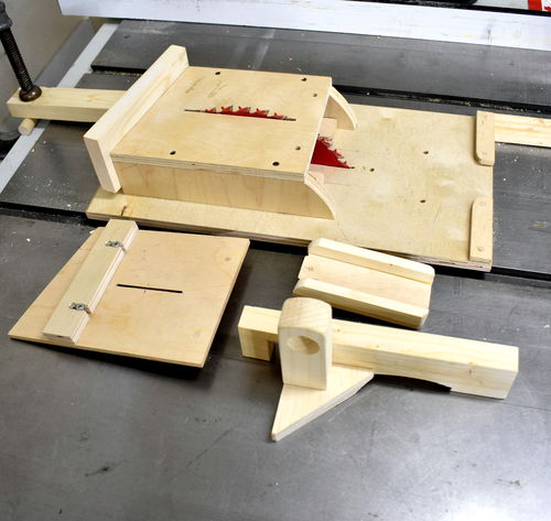 Table saw jig for making wooden spoons by jack houweling