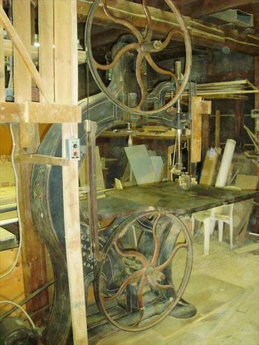 Seeking Vintage Cast Iron Band Saw Frame for English Wheel project