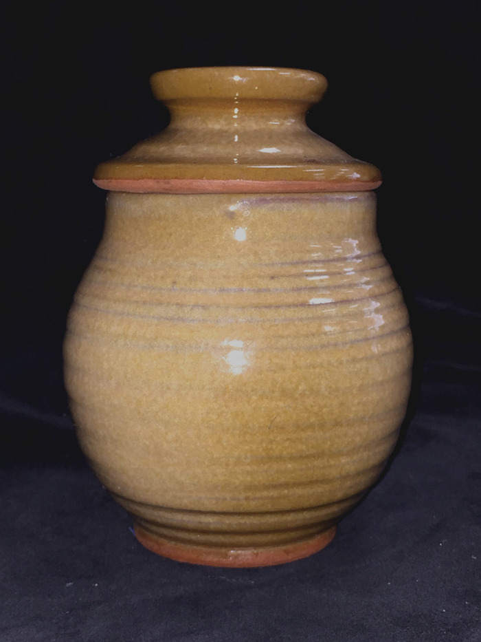 1977 Jar with Lid Tan on D'Hanis