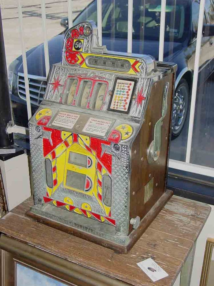 F.O.K. Vendor Slot Machine, Circa: 1930