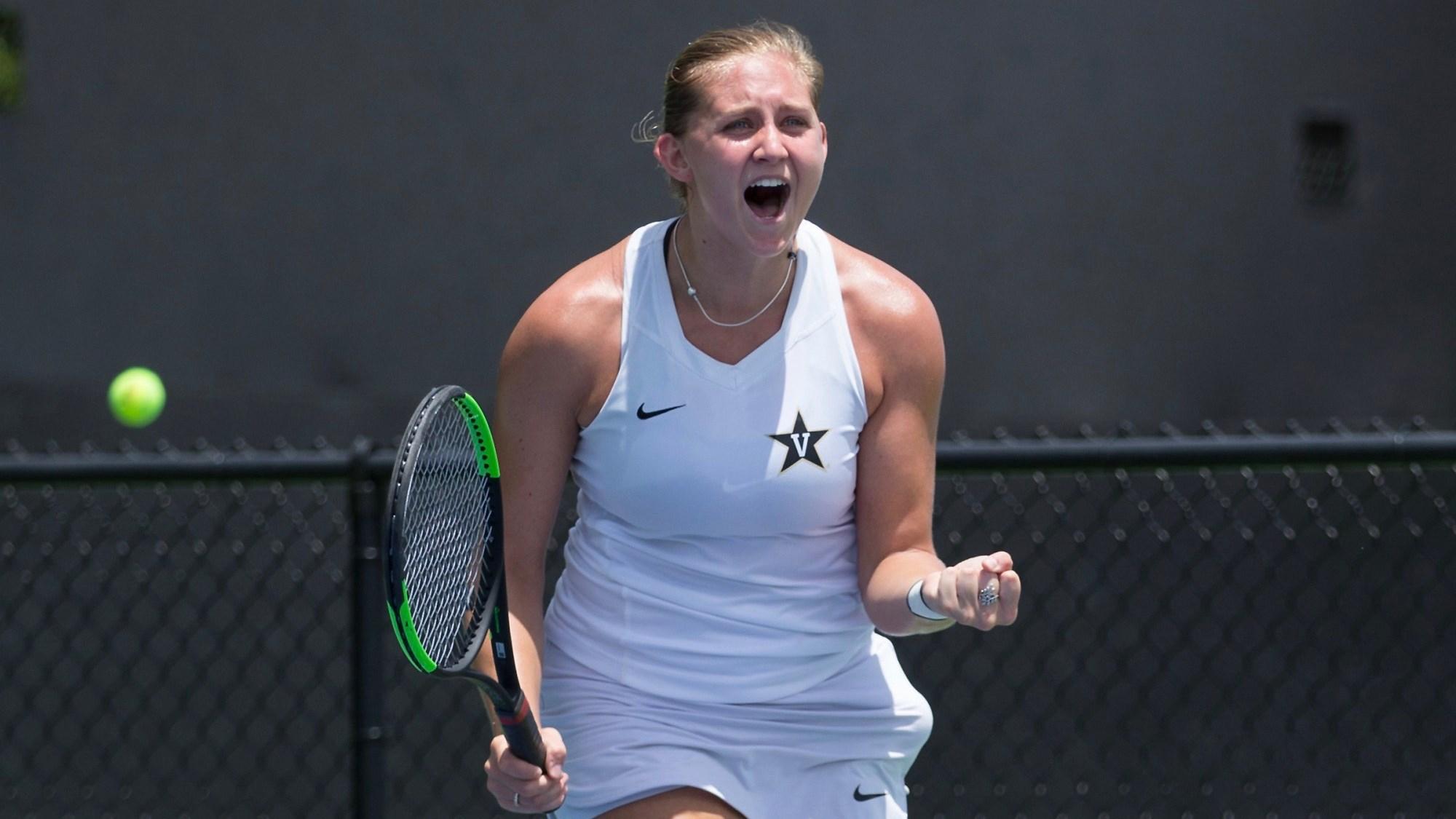 W. tennis Emily Smith celebration
