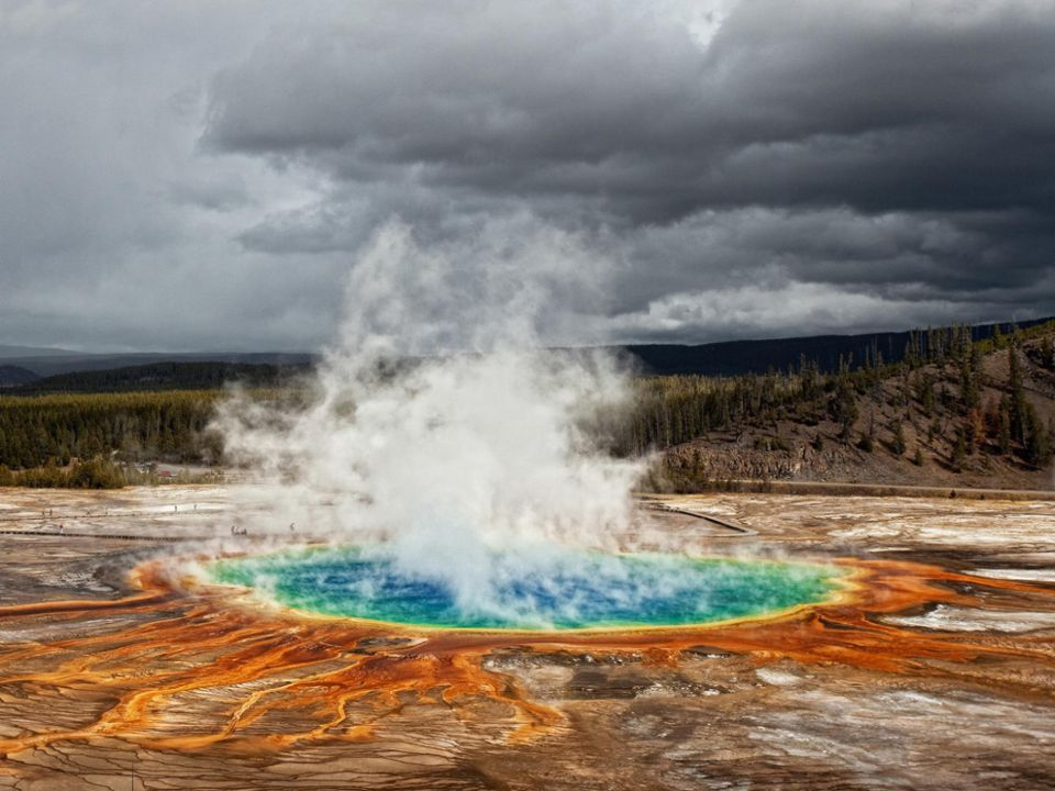 Yellowstone's Mantle Rock Extends to Northern California