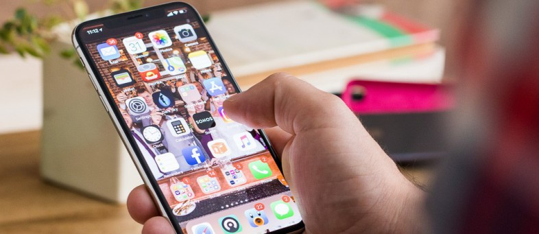 India's smartphone shipments to reach 16cr next year.jpg