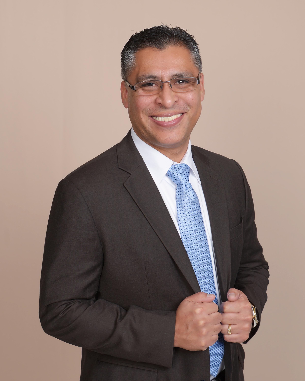Jimmie Flores