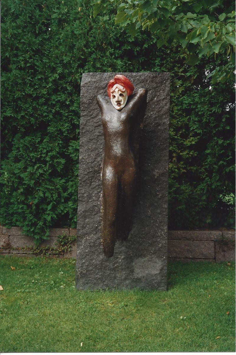 Masquerading sculpture1