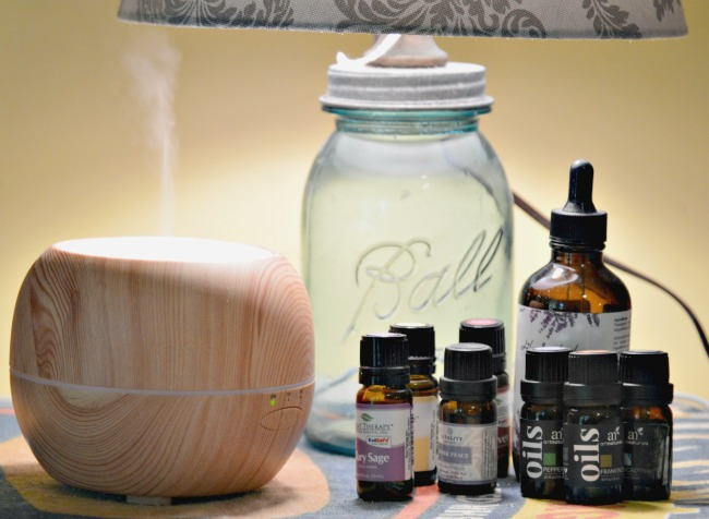 5 Easy Tips for getting started with essential oils when you don't know anything about them! via Walking in High Cotton