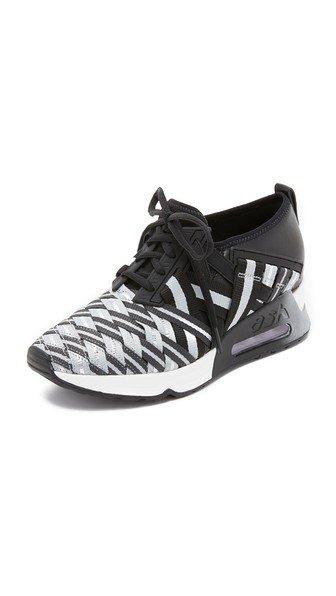Lunatic Sneakers