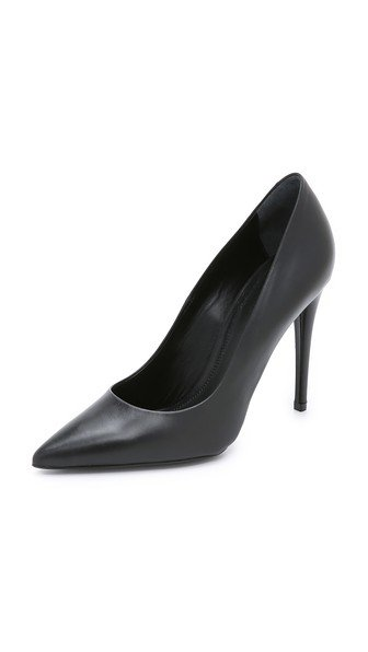 Annika Pumps
