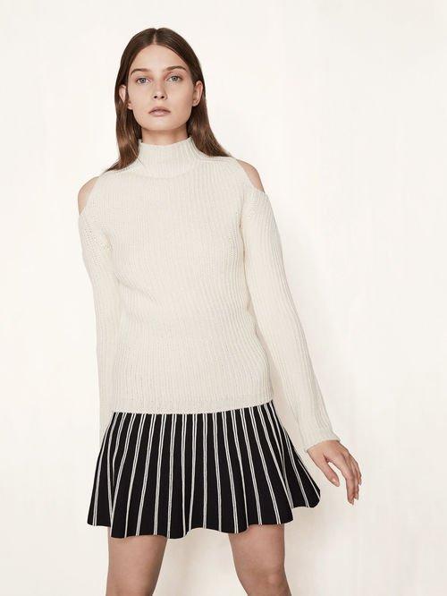 Off-the-shoulder knit jumper