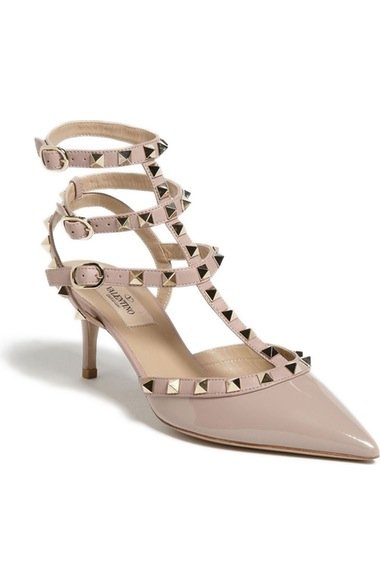 Rockstud Pointy Toe Pump