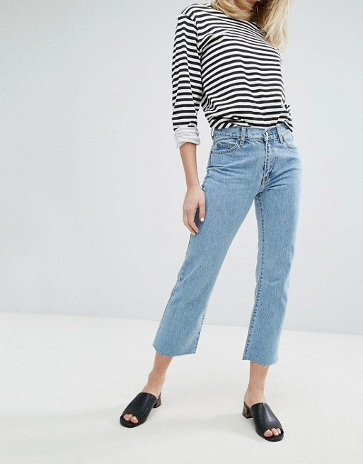 Meadow Mid Rise Crop Flare Jean