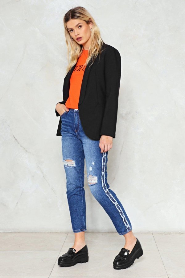 Break the Mold Distressed Jeans