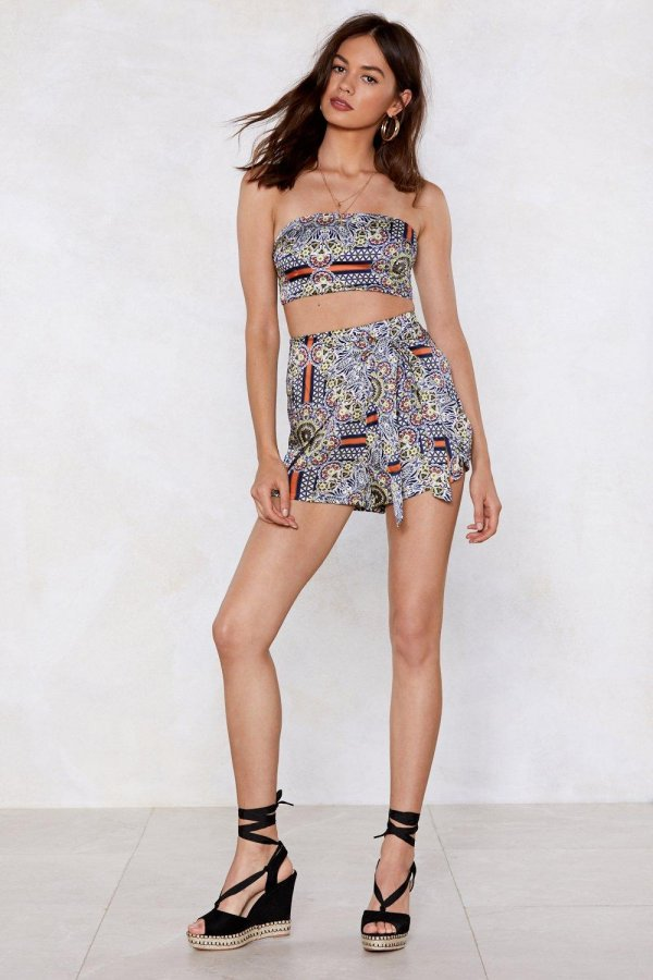 Print Condition Floral Crop Top and Shorts