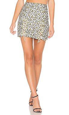 Daisy Embroidered Mini Skirt                                             NBD