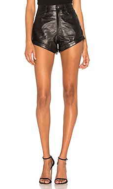 Leather Relaxed Cuff Short                                             LPA