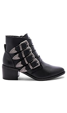 Billey Bootie                                             Steve Madden
