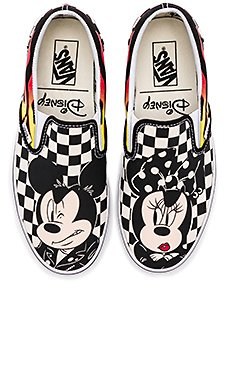 x Disney Classic Slip-On                                             Vans