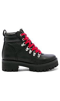 Buzzer Boot                                             Steve Madden