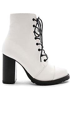 Myles Boot                                             RAYE