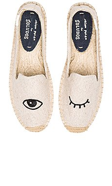 Wink Embroidery SM Slipper                     Soludos